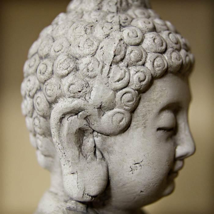 sitzende buddha skulptur budda statue asia garten figur teracotta grau weiss ebay. Black Bedroom Furniture Sets. Home Design Ideas