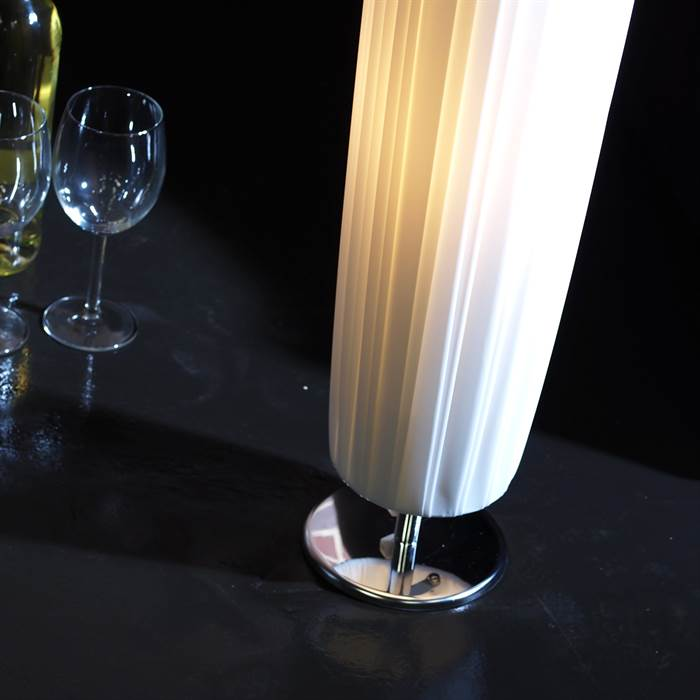 sch ne plissee stehleuchte lounge lampe runde stehlampe wohnzimmer wei ebay. Black Bedroom Furniture Sets. Home Design Ideas