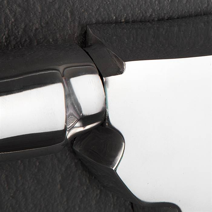 Design garderobe bull silber wandgarderobe aus for Design couchtisch remember in silber aus aluminium